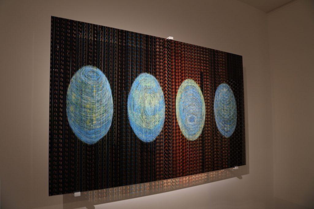 Les quatres fils d'Horus, Pellicule 35 mm du film de R. Balki « Paa » de Bollywood, Technique sous verre 130 x 77 cm, 2016