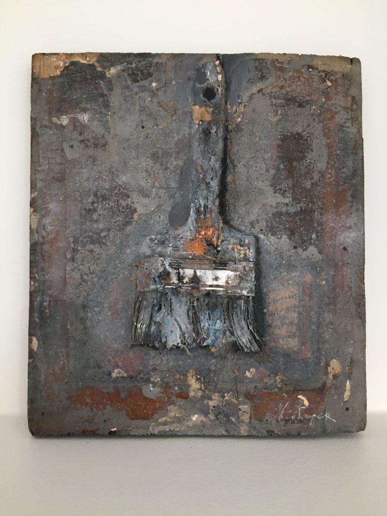 Brush, 22 x 17 cm